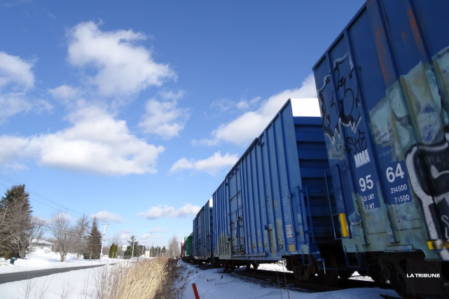 Les activités de triage ou de transbordement sur la voie ferrée dans le secteur... (Archives La Tribune, René Marquis)