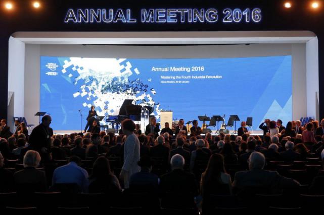 Le Forum économique mondial se tient cette semaine... (PHOTO RUBEN SPRICH, REUTERS)