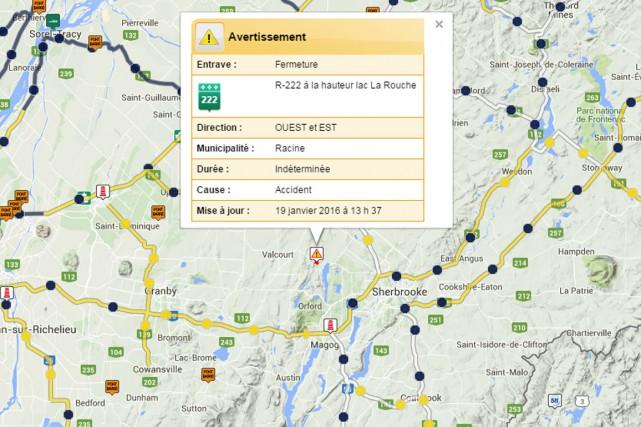 La route 222 a dû être fermée à la circulation, à la hauteur du lac Larouche,... (Capture d'écran site web 511 MTQ)