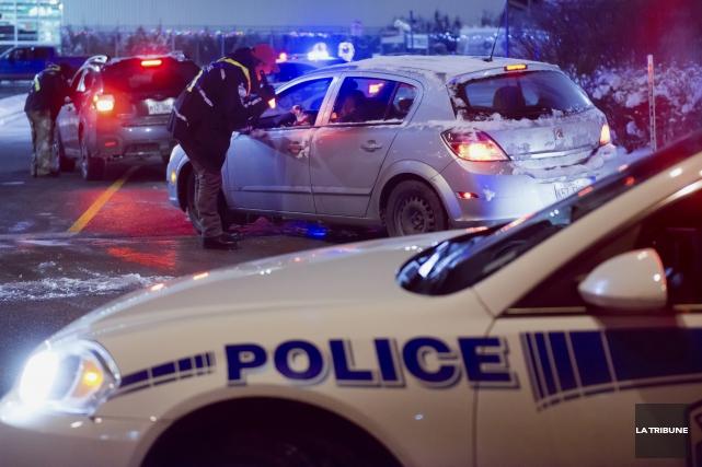 Deux multirécidivistes de l'alcool au volant ont pris... (Archives, La Tribune)