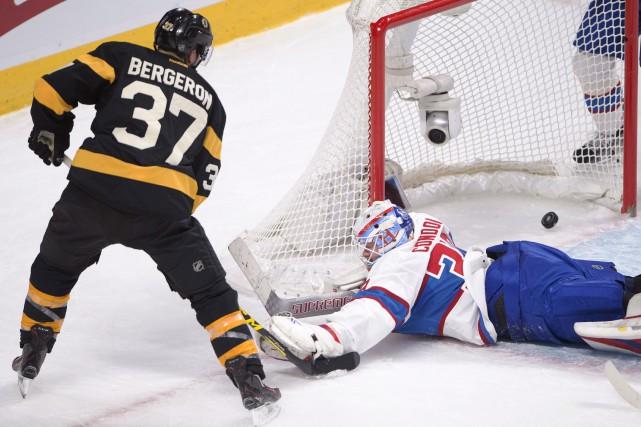 Patrice Bergeron (37) marque le deuxième but des... (La Presse Canadienne, Ryan Remiorz)