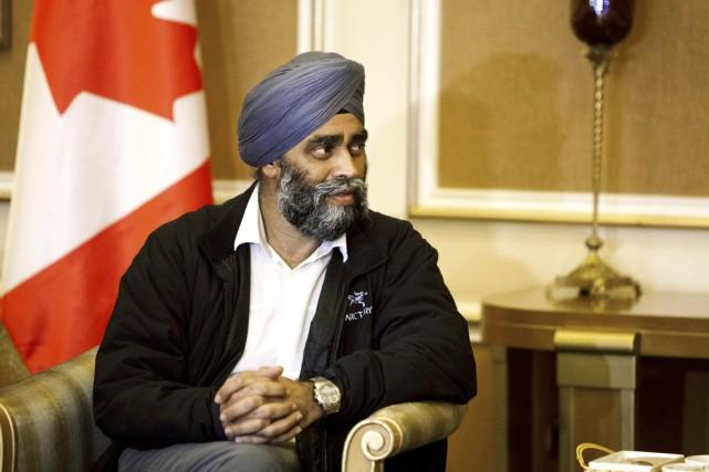 Le ministre de la Défense nationale HarjitSajjan a... (La Presse Canadienne)
