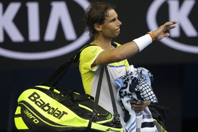 Rafael Nadal a perdu face à Fernando Verdasco... (AP, Mark Baker)
