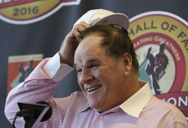 Pete Rose était tout sourire quand il a... (AP, Gary Landers)