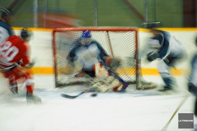 Pour connaître l'horaire des patinoires, il est possible... (Archives, La Tribune)