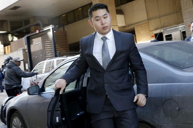 Peter Liang, 28 ans, jeune policier débutant, est... (PHOTO REUTERS)