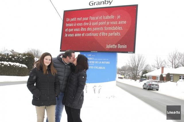 Des photos de baisers accompagneront les messages d'amour... (Archives La Voix de l'Est)