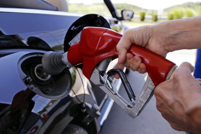 Le pétrole a clôturé, mercredi, à son niveau... (AP, Gene J. Puskar)
