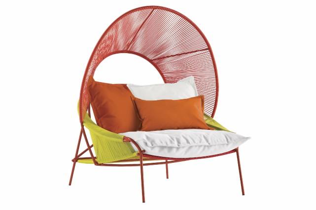 Le fauteuil à capuche Asian Traveler, 5395 $... (Fournie par Roche Bobois)