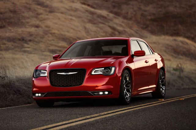 Chrysler 300... (PHOTO FOURNIE PAR LE CONSTRUCTEUR)