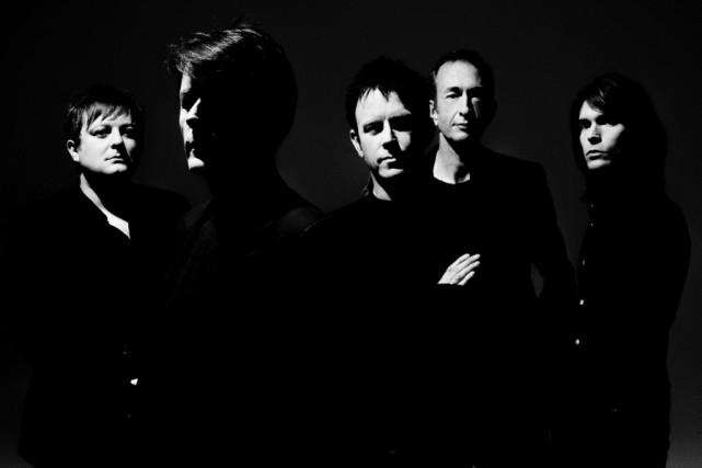 Le groupe de rock britannique Suede souhaite offrir à son public une... (PHOTO TIRÉE DE FACEBOOK)