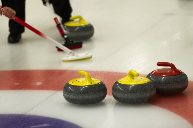 Au Championnat provincial masculin de curling, à Valleyfield, deux des trois... (Photo 123RF)