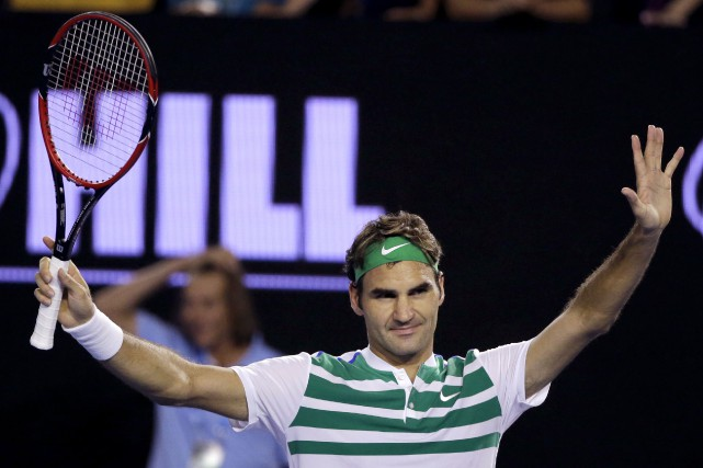 Roger Federer a célébré sa victoire.... (Associated Press, Aaron Favila)