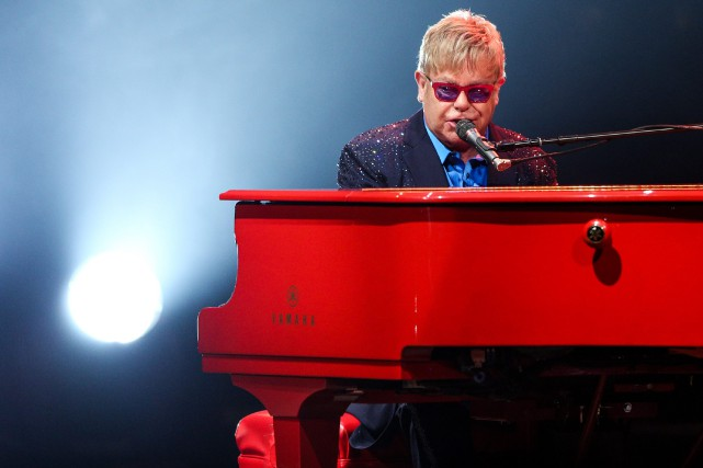 Elton John... (Archives AP, Rich Fury)
