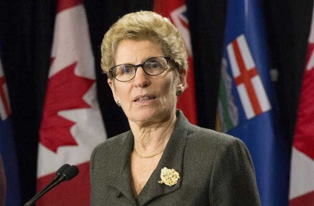 La première ministre Wynne a déclaré avoir demandé... (Chris Young, PC)