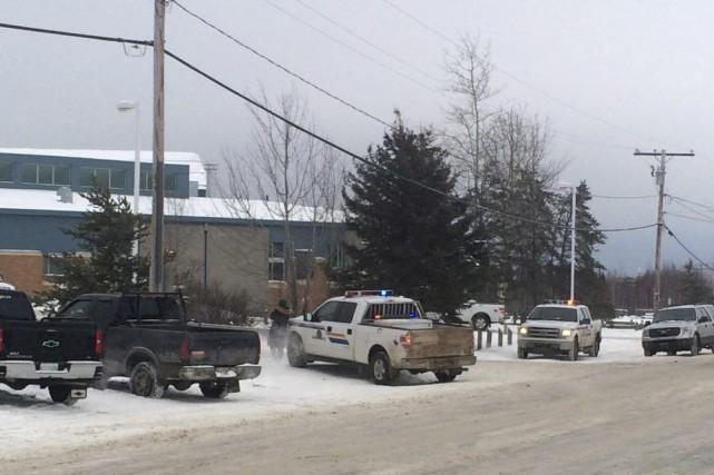 Des coups de feu ont retenti à l'école... (Photo Joshua Mercredi, PC)