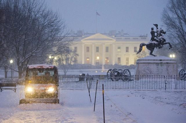 «Les chutes de neige pourraient dépasser les 60... (Photo Pablo Martinez Monsivais, AP)