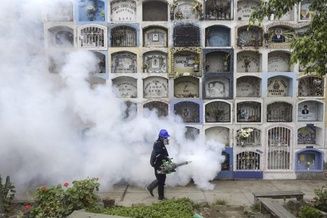 Une campagne d'arrosage a été organisée à Lima,... (AFP, Ernesto Benavides)