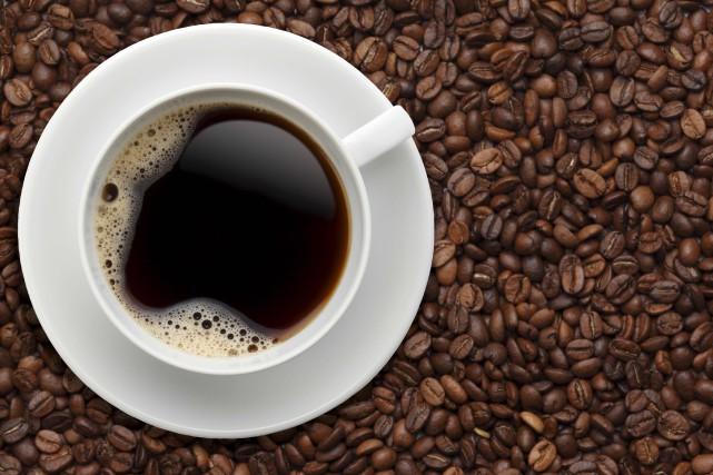 La caféine n'améliore plus la vivacité d'esprit ou la performance après trois... (123RF/Takashi Honma)