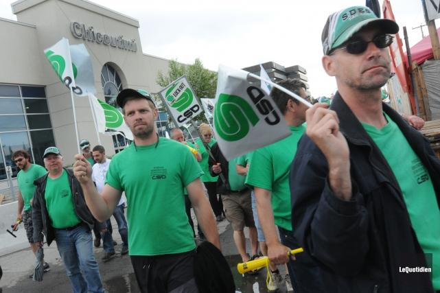 Les 450 membres du Syndicat démocratique des employés de garage du... (Archives Le Quotidien)