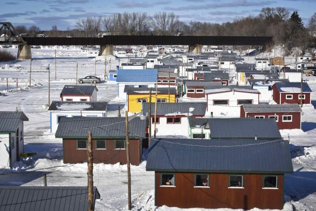 Quelque 400 cabanes sont installées pour la durée... (François Gervais)