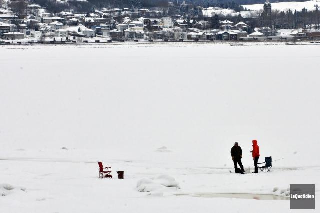 Depuis déjà quelques jours que les employés de Saguenay travaillent sur les... (Archives Le Quotidien)
