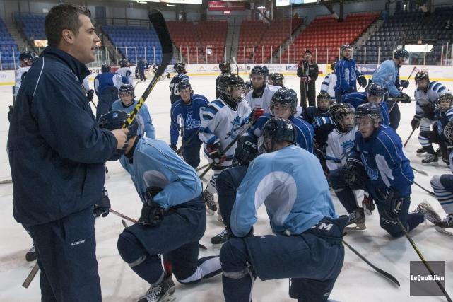 Les jeunes des Espoirs du Saguenay, qui représenteront... (Photo Le Quotidien, Michel Tremblay)