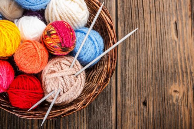 CHRONIQUE / Le tricot revient en force! Je l'ai vu en allant à un centre... (Photo 123RF)