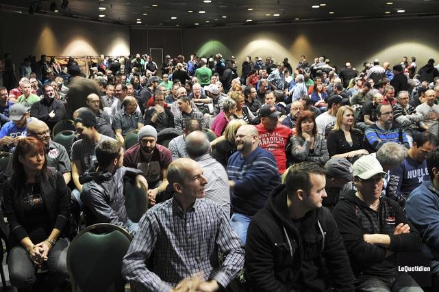 Quelque 300 des 450 syndiqués se sont prononcés... (Photo Rocket Lavoie, Le Quotidien)