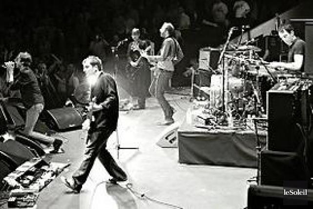 Le groupe de rock britannique Suede... (Photothèque Le Soleil)