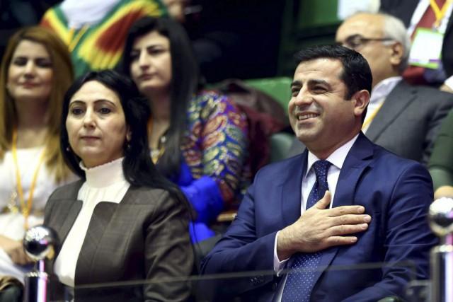 Figen Yuksekdag et Selahattin Demirtas ont été réélus... (Photo AFP)
