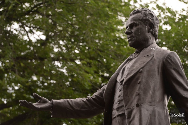 Une statue deGeorge-Étienne Cartier, à Québec... (Patrice Laroche, Archives Le Soleil)