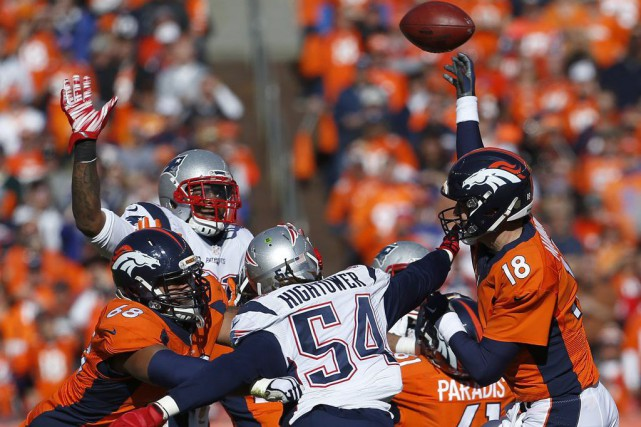Peyton Manning a lancé deux passes de touché,... (Photo Joe Mahoney, AP)