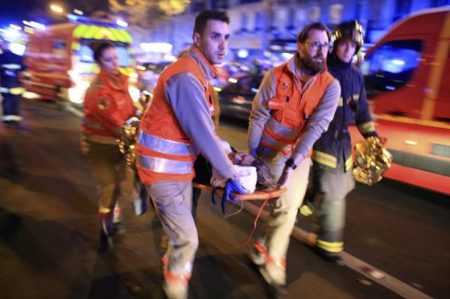 Les attaques de novembre dernier à Paris ont... (ARCHIVES AP)