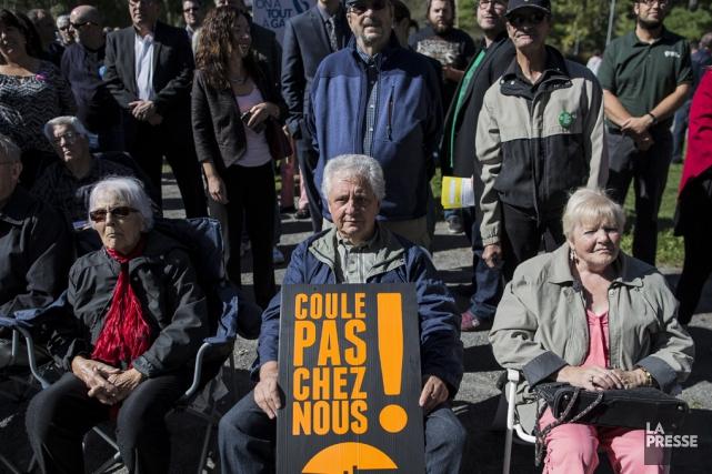 Plusieurs citoyens du Québec espèrent que le projet... (Archives La Presse)