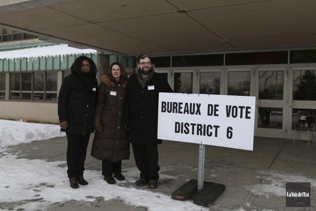 Les candidats Victoire Marie-France Collard, Denyse Tremblay et... (Julie Catudal, La Voix de l'Est)