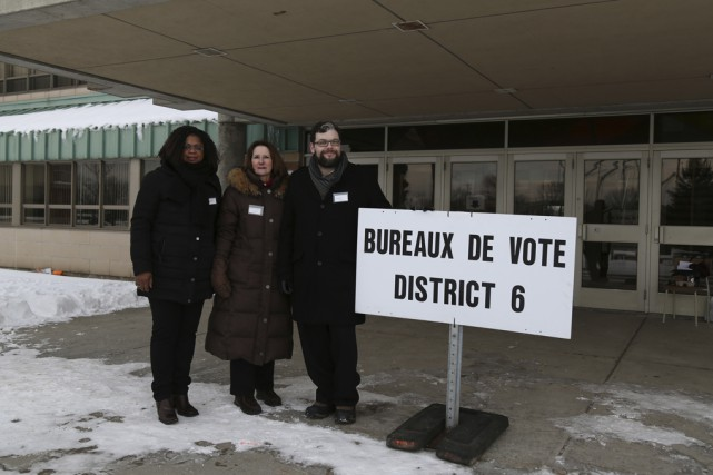 Les candidats Victoire Marie-France Collard, Denyse Tremblay et... (Photo Julie Catudal)