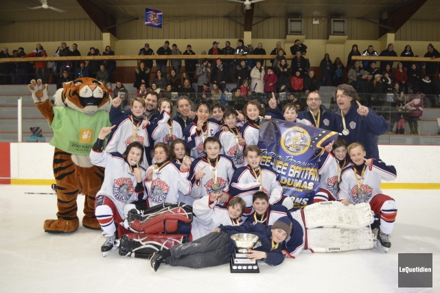 Les Bulldogs de Saint-Félicien ont remporté la finale... (Photo Le Quotidien, Louis Potvin)