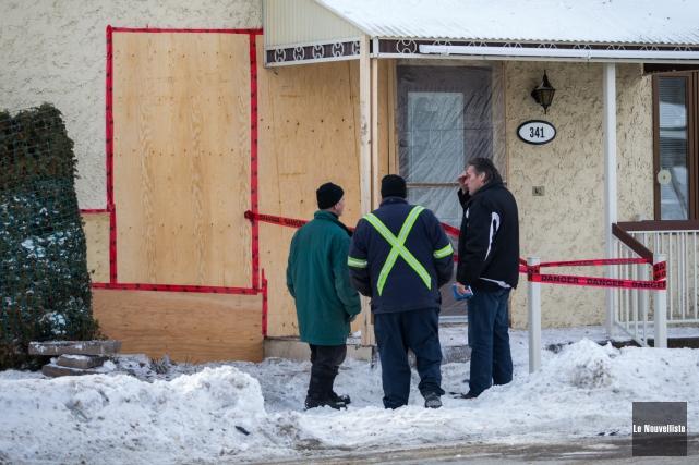Les résidents d'une demeure située à Saint-Étienne-des-Grès ont eu droit à un... (Photo: Olivier Croteau Le Nouvelliste)