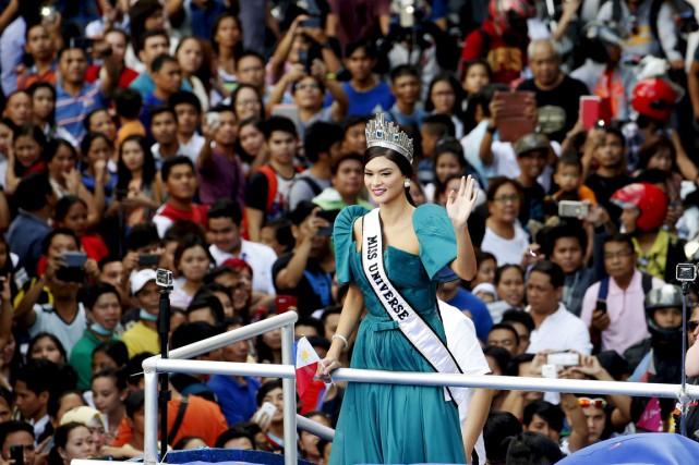 L'actrice et mannequin de 26 ans a défilé... (PHOTO ERIK DE CASTRO, REUTERS)