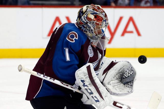 Le gardien de l'Avalanche Semyon Varlamov a remporté... (Photo David Zalubowski, AP)
