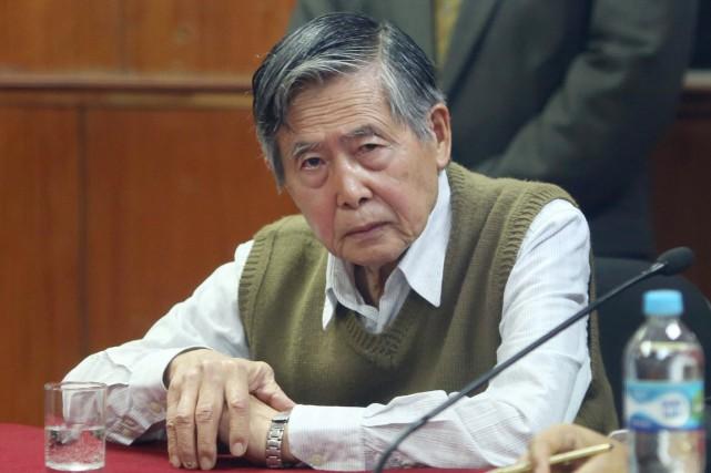 Alberto Fujimori avait été condamné à 25 ans... (PHOTO MARTIN MEJIA, ARCHIVES AP)
