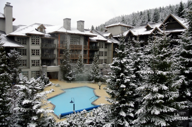 L'hôtel Coast Blackcomb Suites de Whistler, en Colombie- Britannique.... (PHOTO BERNARD BRAULT, ARCHIVES LA PRESSE)