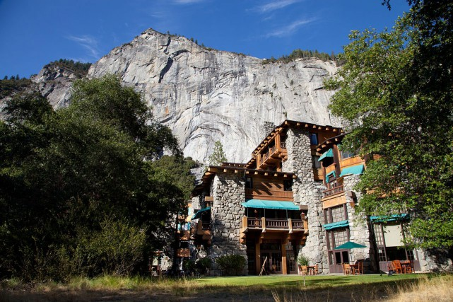 L'hôtel Ahwahnee, dans le parc national de Yosemite,... (PHOTO TIRÉE DE WIKIPEDIA COMMONS)