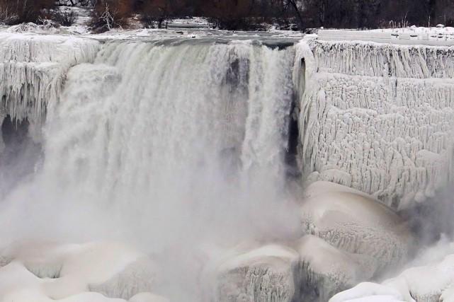 Les chutes du Niagara, côté américain.... (Photo archives AP)