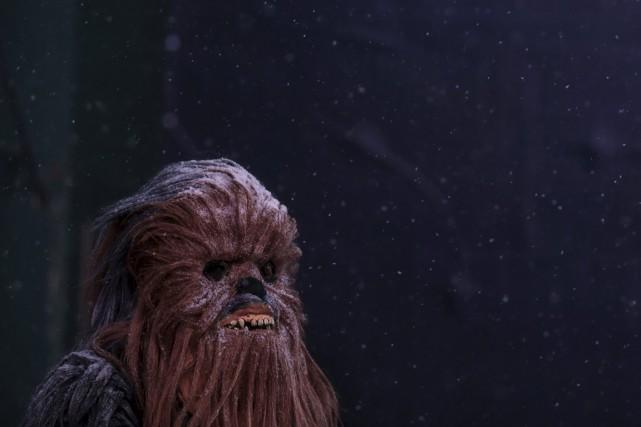Ayant troqué son sabre laser pour des moufles de ski, un chevalier Jedi... (Photo Reuters)