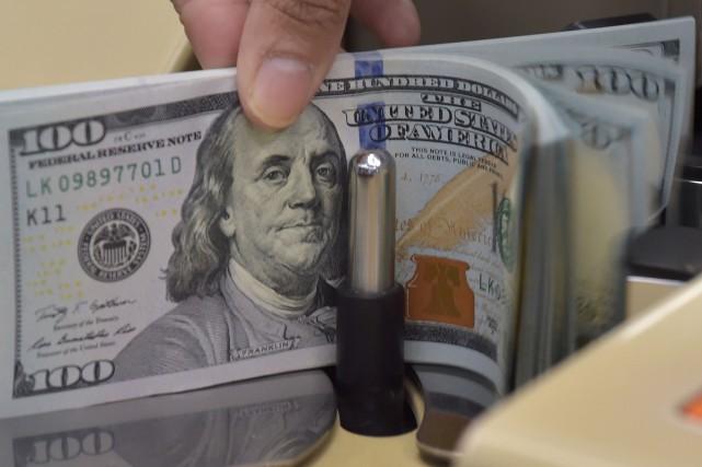 Un Ontarien intercepté à l'aéroport de Toronto avec plus de 100 000 $ US en... (Photo AFP)