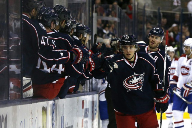Cam Atkinson a inscrit un tour du chapeau... (PHOTO REUTERS)