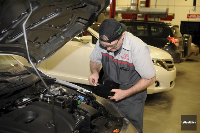 Robin Parent, mécanicien chez Rocoto Toyota, avoue avoir... (Photo Le Quotidien, Mariane L. St-Gelais)