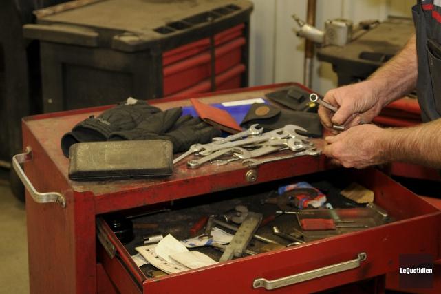 La rentrée des employés de garage complique la vie d'un concessionnaire de... (Photo Le Quotidien, Mariane L. St-Gelais)